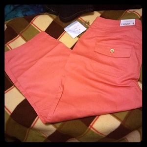 New Croft and Barrow MidRise capris sz 4